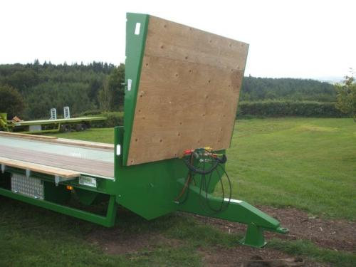 Bale wedge on headboard
